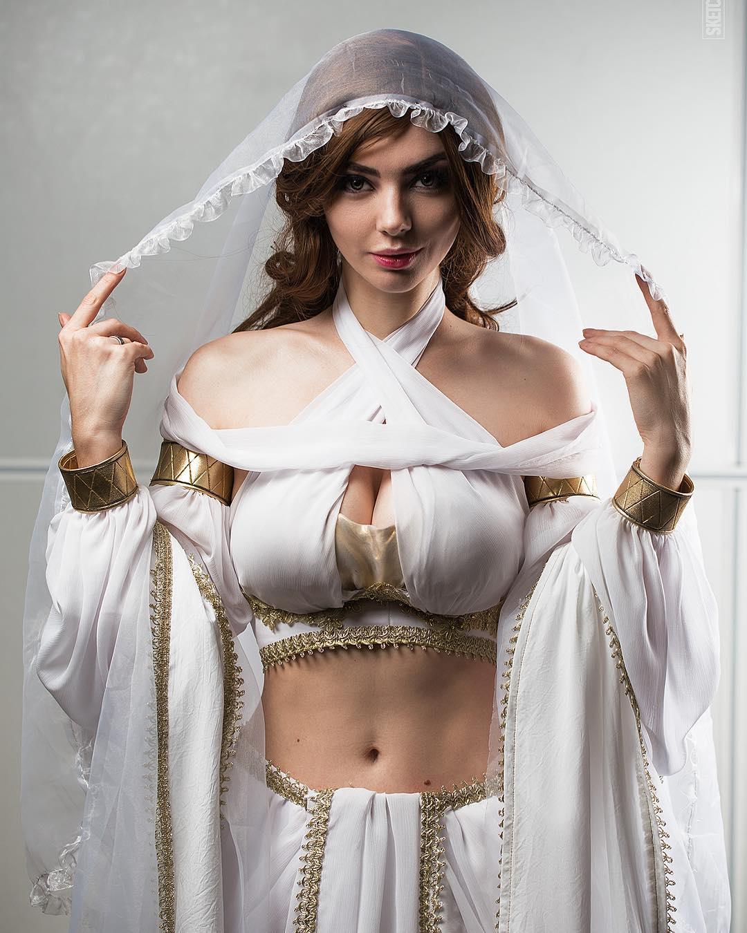 Lindo Cosplay Feminino da Gwynevere Princesa da Luz Solar - Dark Souls - Cosplays Femininos de Games 01