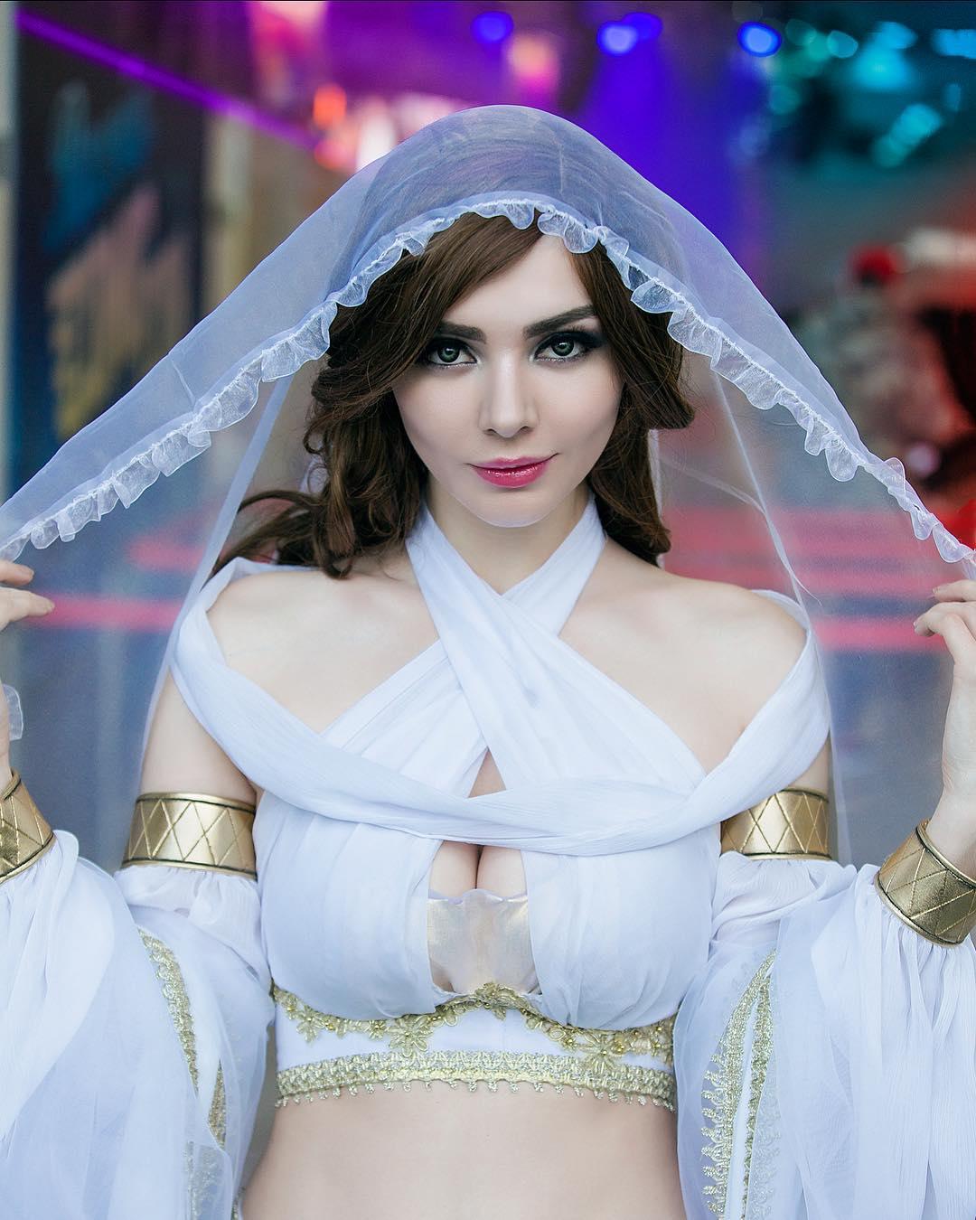 Lindo Cosplay Feminino da Gwynevere Princesa da Luz Solar - Dark Souls - Cosplays Femininos de Games 04