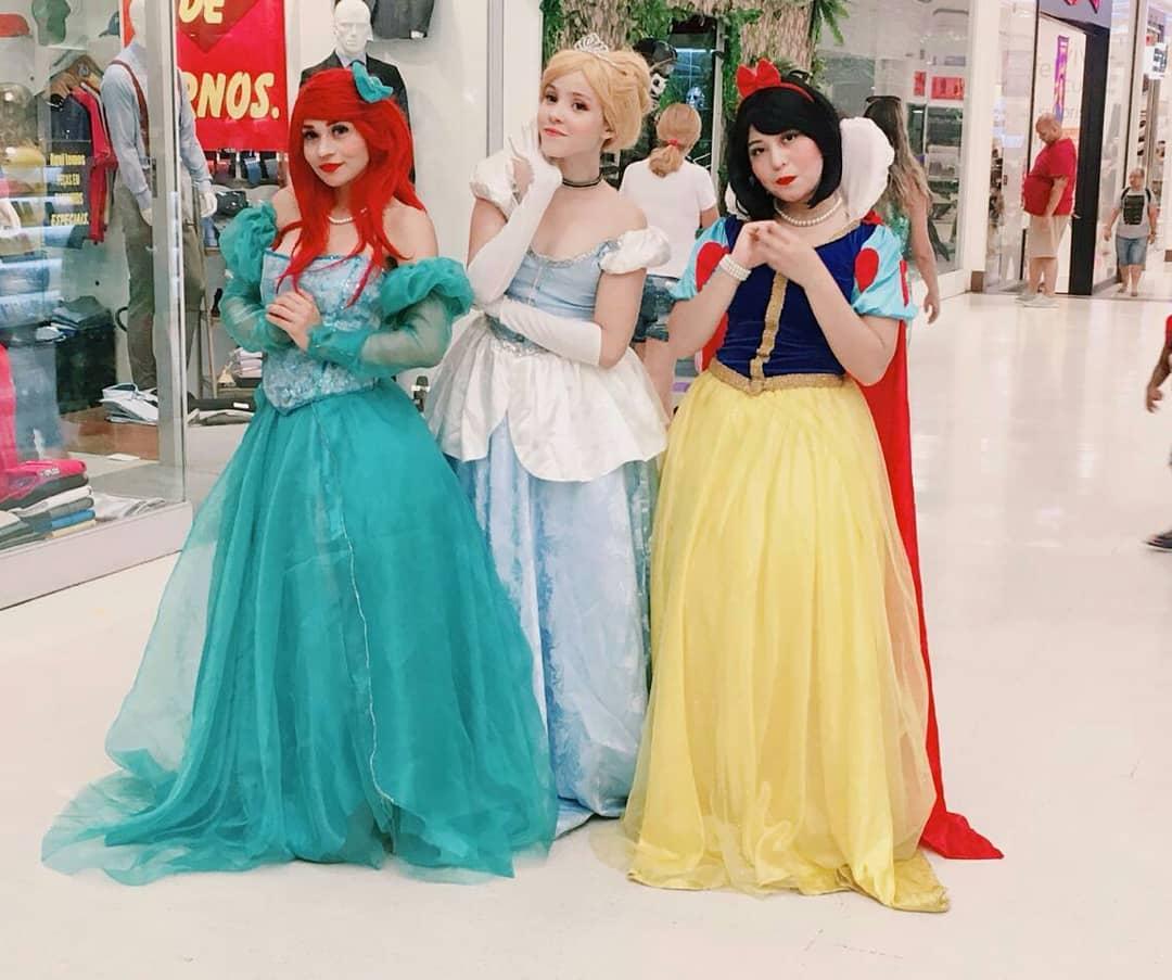 Cosplays das Princesas Disney - Ariel - Cinderella - Branca de NEve