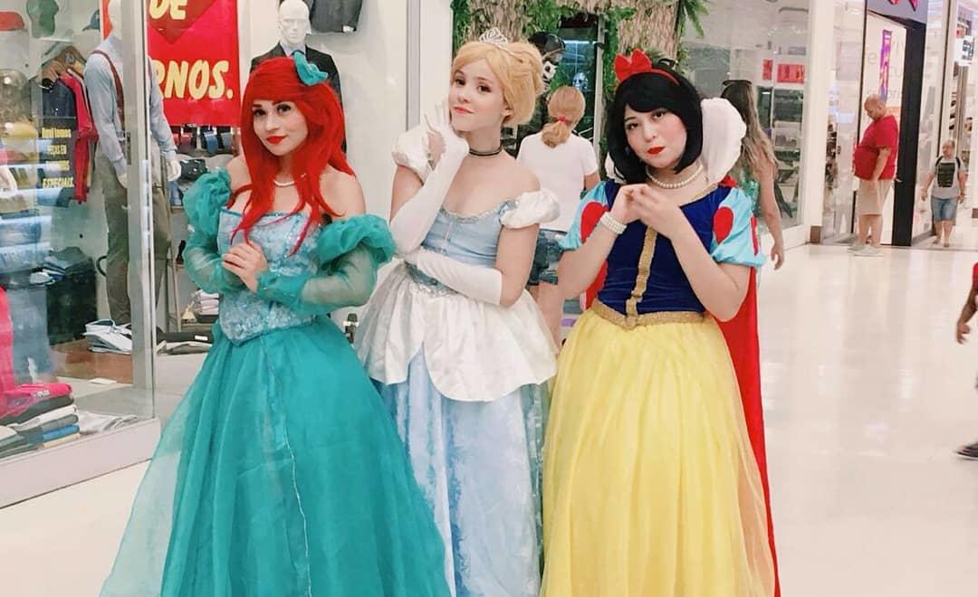Cosplays das Princesas Disney - Ariel - Cinderella - Branca de Neve - Foto