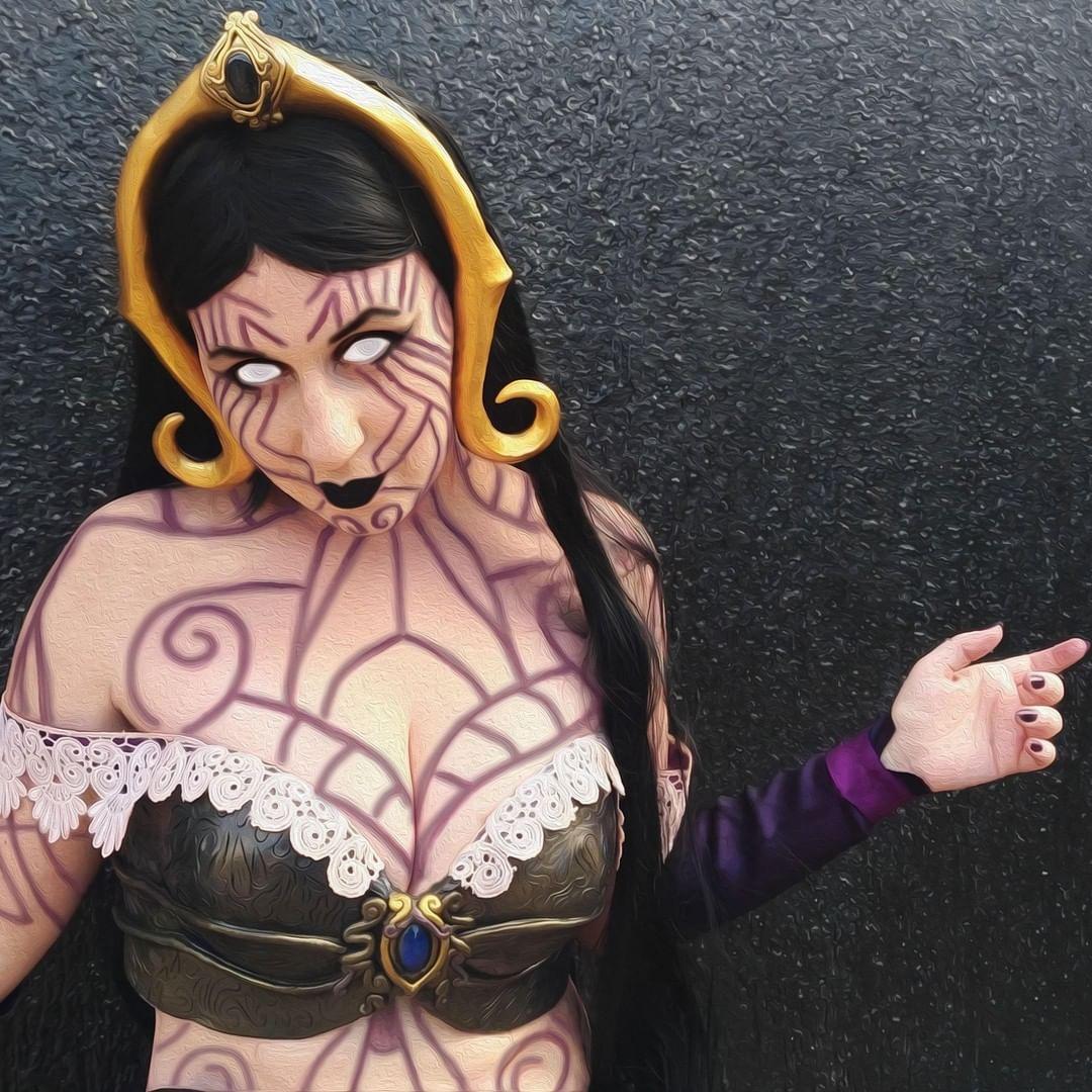 Liliana Vess Cosplay - Magic The Gathering - 01